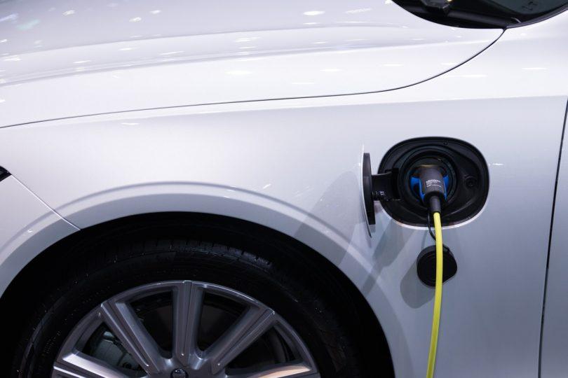 voiture électrique hybride